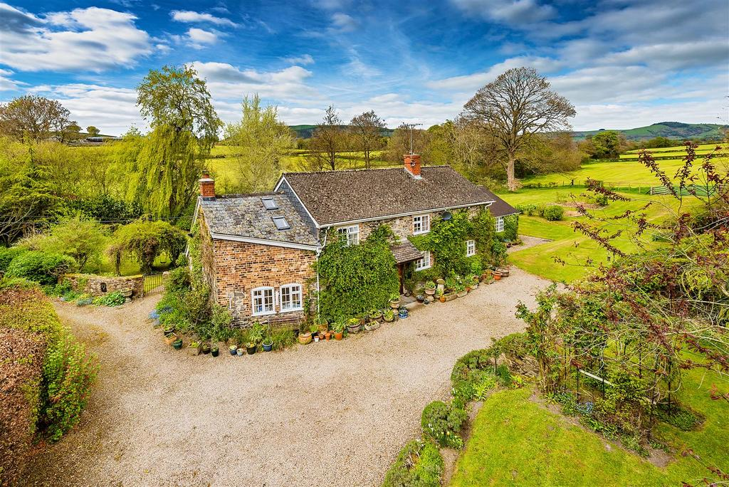 4 Bedrooms Detached House for sale in Llansilin Oswestry