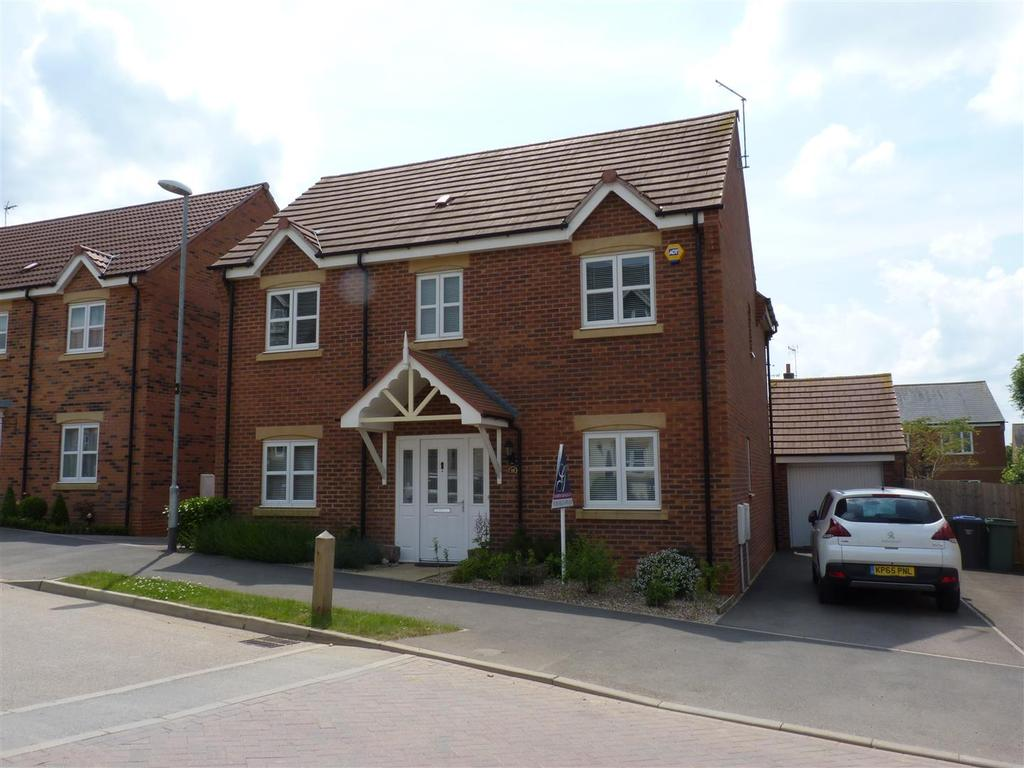 4 Bedrooms Detached House for sale in Devana Way, Great Glen, Leicester