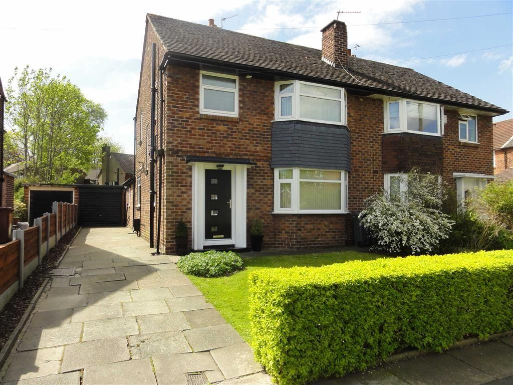 3 Bedrooms Semi Detached House for sale in Blackcarr Road, Baguley