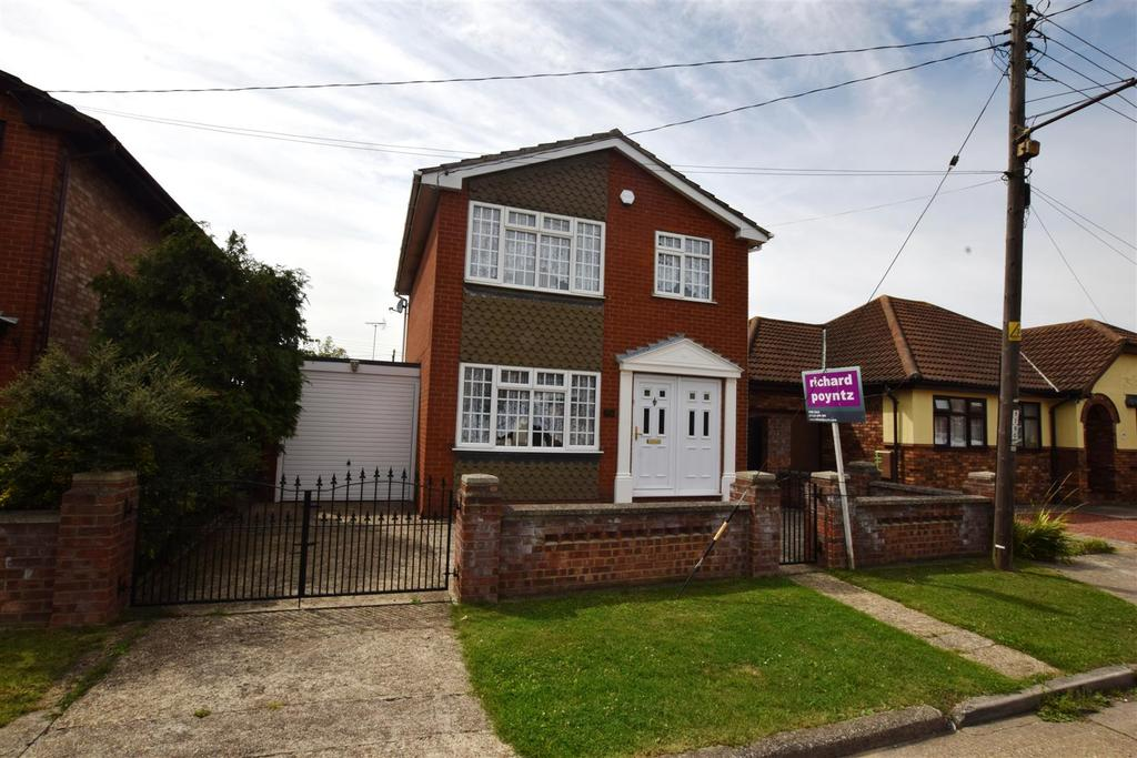 3 Bedrooms Detached House for sale in Lilac Avenue, Canvey Island