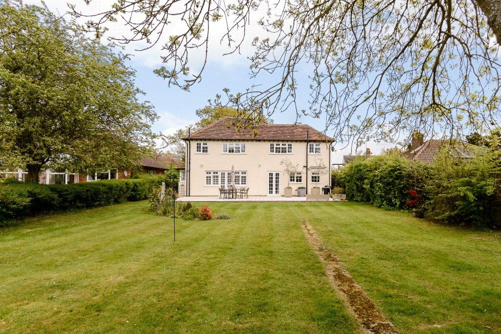 4 Bedrooms Detached House for sale in Church Road, Little Berkhamsted, Hertford, Hertfordshire, SG13