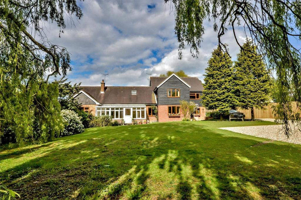 4 Bedrooms Detached House for sale in Hightrees, 7 Walden Road, Sewards End, Nr Saffron Walden