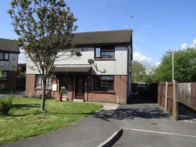 2 Bedrooms Semi Detached House for sale in Clos Derwen , Llansamlet, Swansea.