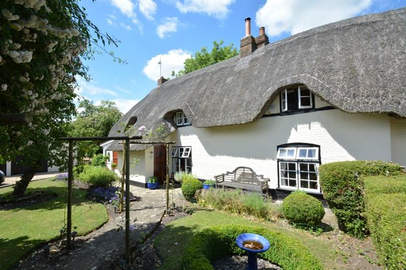 3 Bedrooms Cottage House for sale in Pound Cottages, St. Mary Bourne, Andover