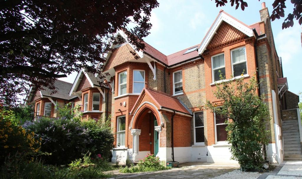3 Bedrooms Flat for sale in Tring Avenue, Ealing, W5