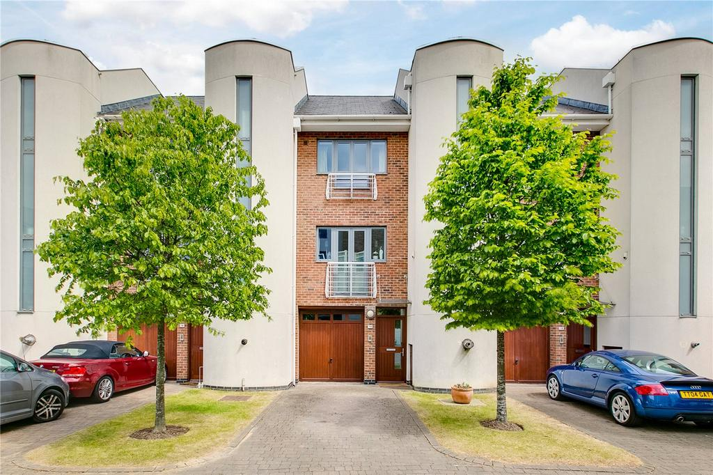 4 Bedrooms Terraced House for sale in Tallow Road, Brentford, Middlesex