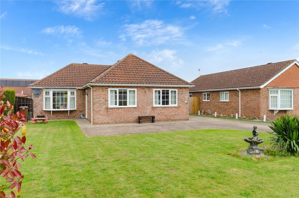 3 Bedrooms Detached Bungalow for sale in Churchview Close, Heckington, Sleaford, Lincolnshire, NG34