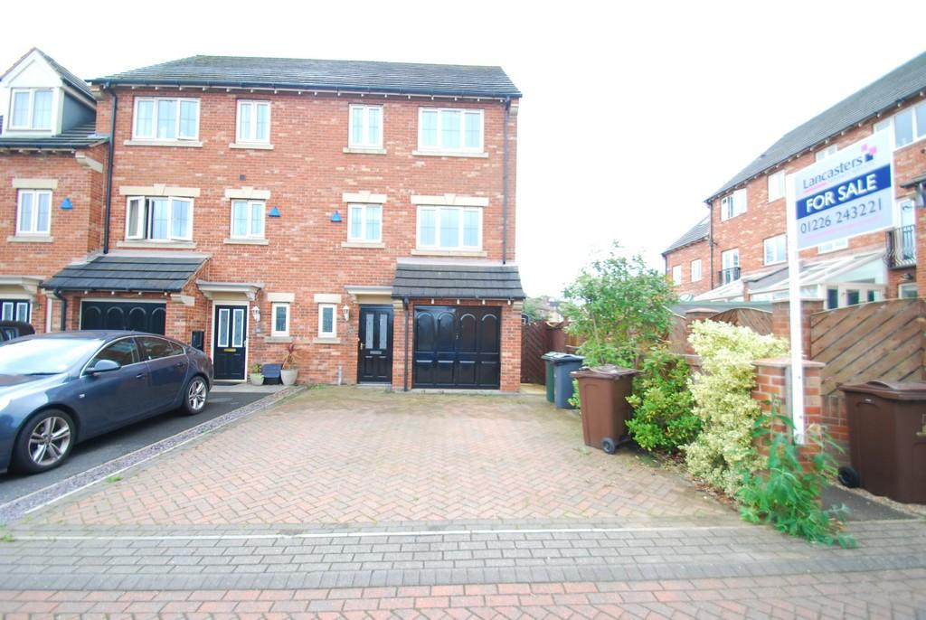 4 Bedrooms Semi Detached House for sale in Old Oaks View, Barnsley S70