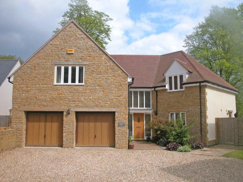 5 Bedrooms House for sale in Ainstey Drive, Sparkford, Yeovil, Somerset, BA22