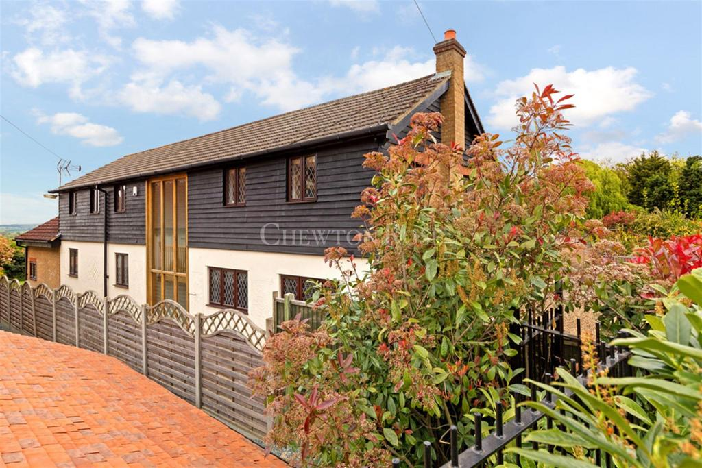 5 Bedrooms Detached House for sale in Mott Street, High Beech