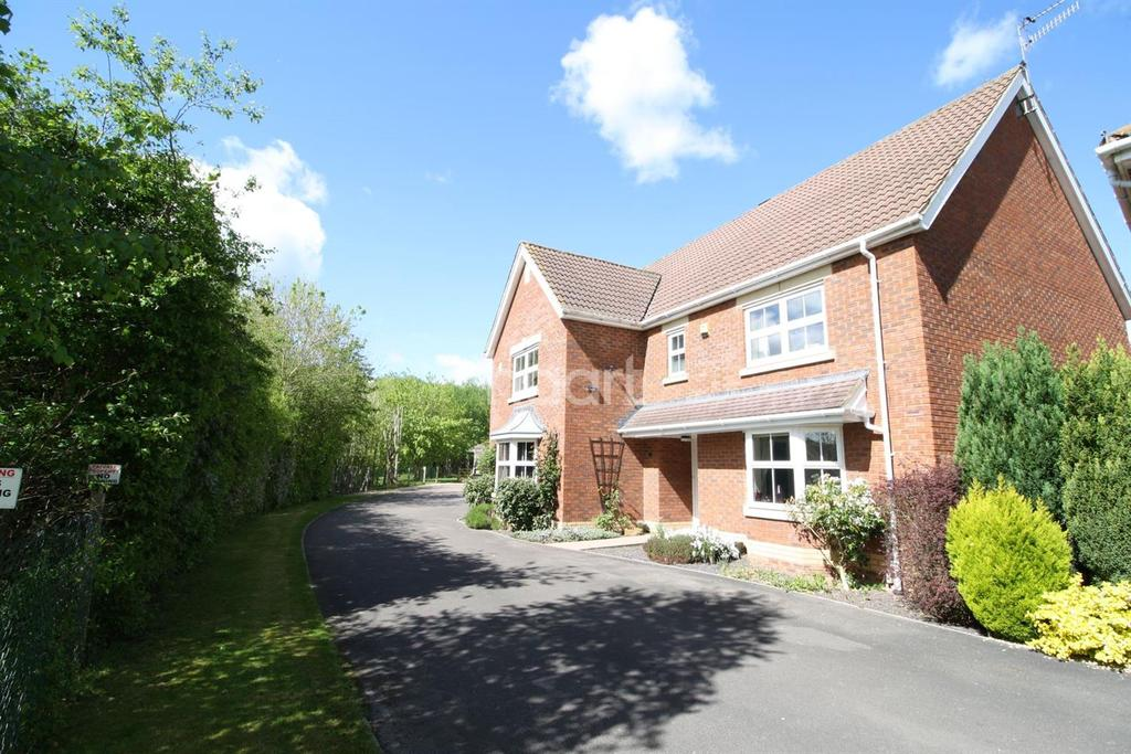 5 Bedrooms Detached House for sale in St Vincents Drive, Monmouth, Monmouthshire