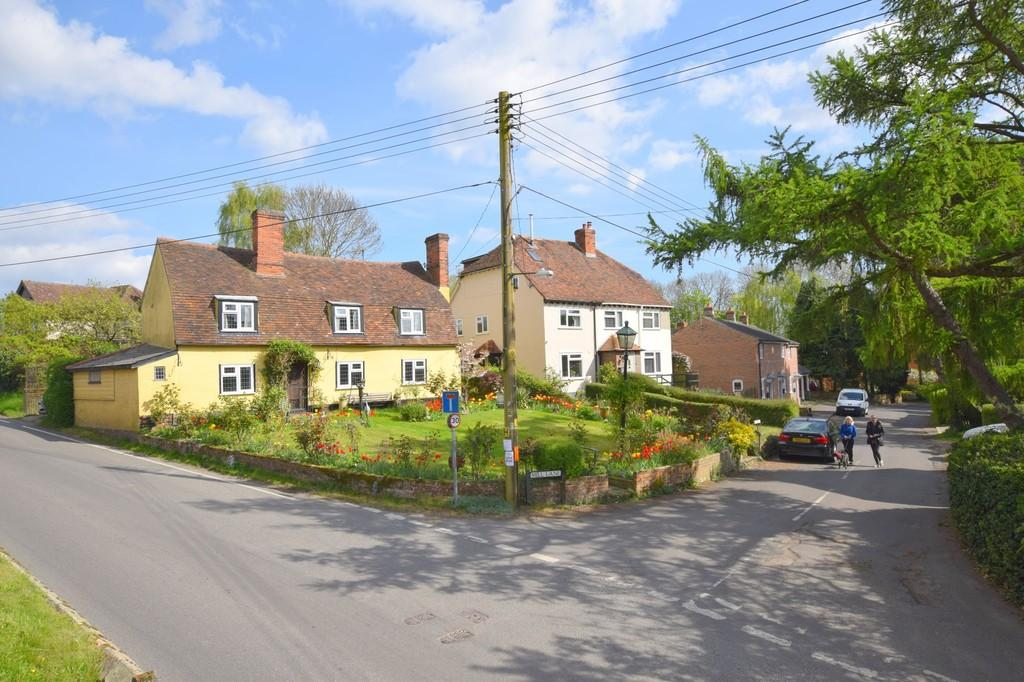 4 Bedrooms Detached House for sale in The Street, Pebmarsh, Halstead