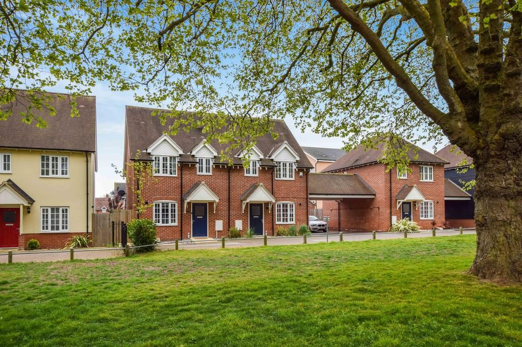 3 Bedrooms Semi Detached House for sale in Lambeth Road, Colchester, CO2 7FG