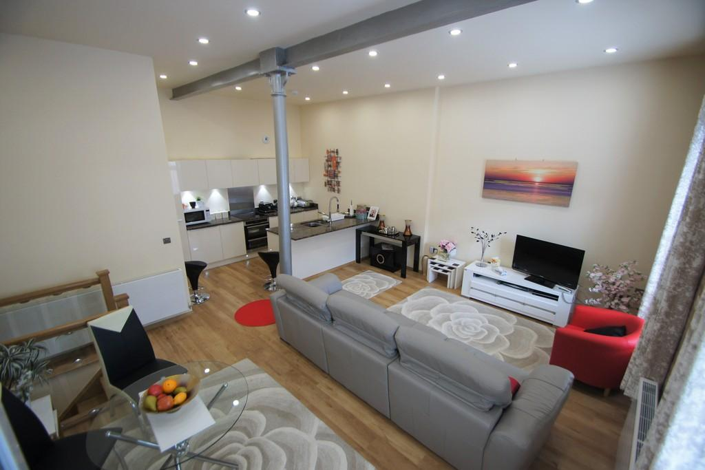 2 Bedrooms Ground Maisonette Flat for sale in The Malt House, Lichfield