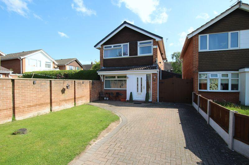 3 Bedrooms Detached House for sale in Rannoch Close, Great Sutton