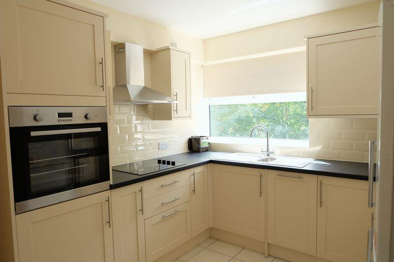 1 Bedroom Apartment Flat for sale in Station Road, Crayford