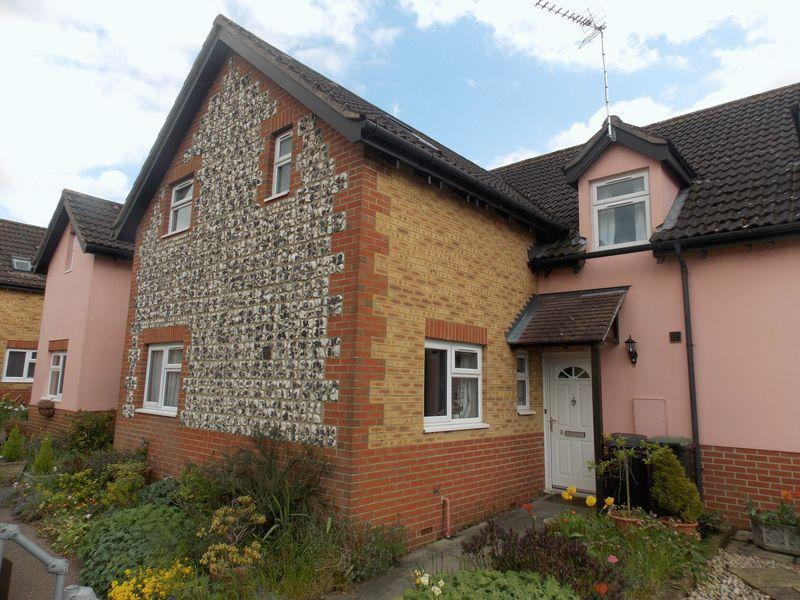 2 Bedrooms Terraced House for sale in Field View, Thurston
