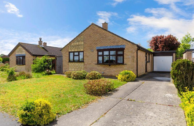 3 Bedrooms Detached Bungalow for sale in Holly Close, Horncastle