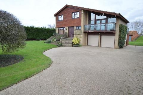 4 bedroom detached house to rent - Main Street, Kirkby on Bain