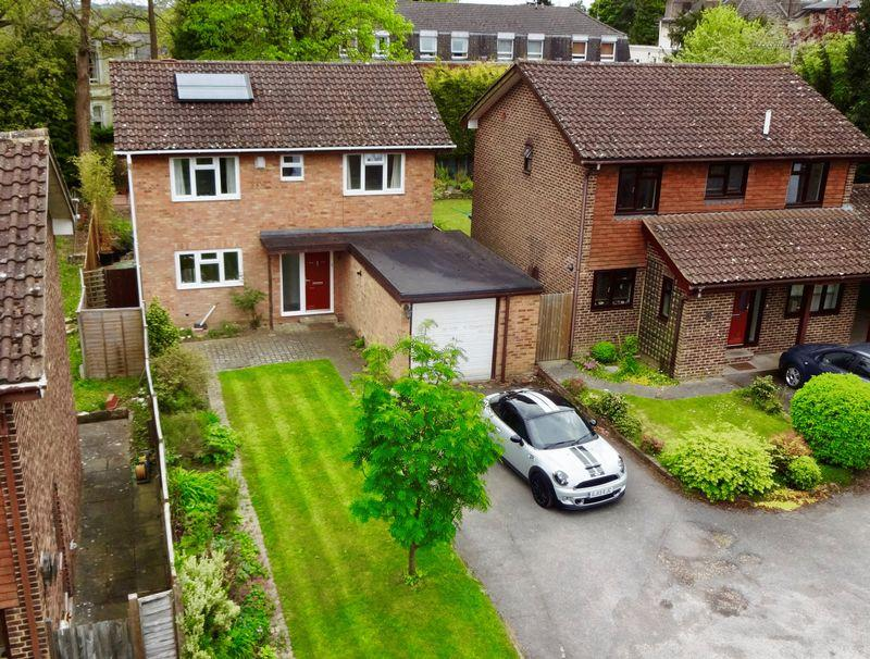 4 Bedrooms Detached House for sale in Rusthall, Tunbridge Wells