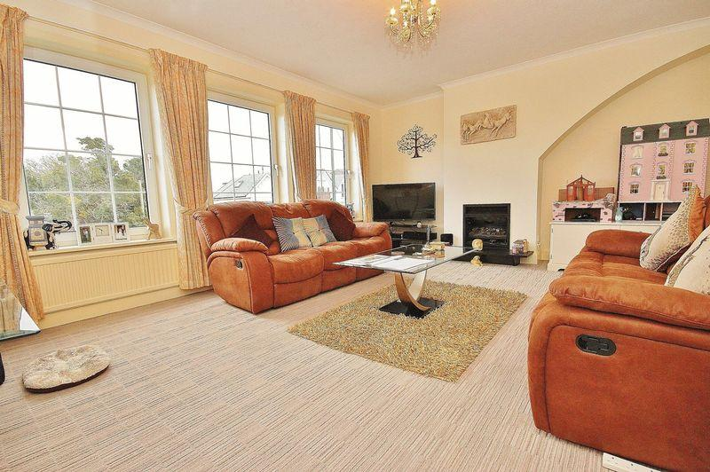 3 Bedrooms Maisonette Flat for sale in Carbery Lane, Southbourne, Bournemouth