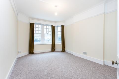 4 bedroom flat to rent - College Court, Queen Caroline street, Hammersmith, W6