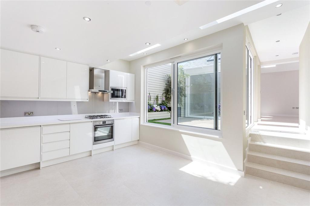 3 Bedrooms Flat for sale in The Broadway, White Hart Lane, Barnes, London, SW13