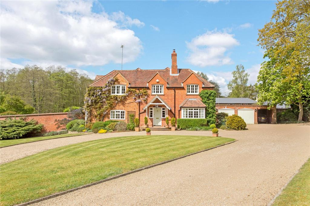 6 Bedrooms Unique Property for sale in Ambarrow Lane, Sandhurst, Berkshire, GU47