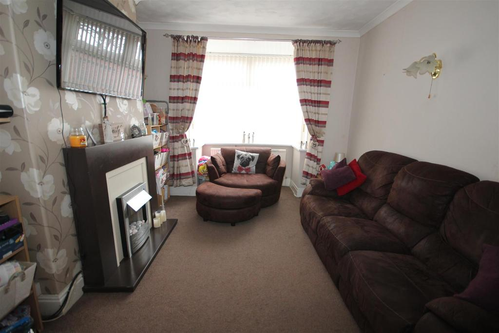 3 Bedrooms Semi Detached House for sale in Chester Road, Hartlepool