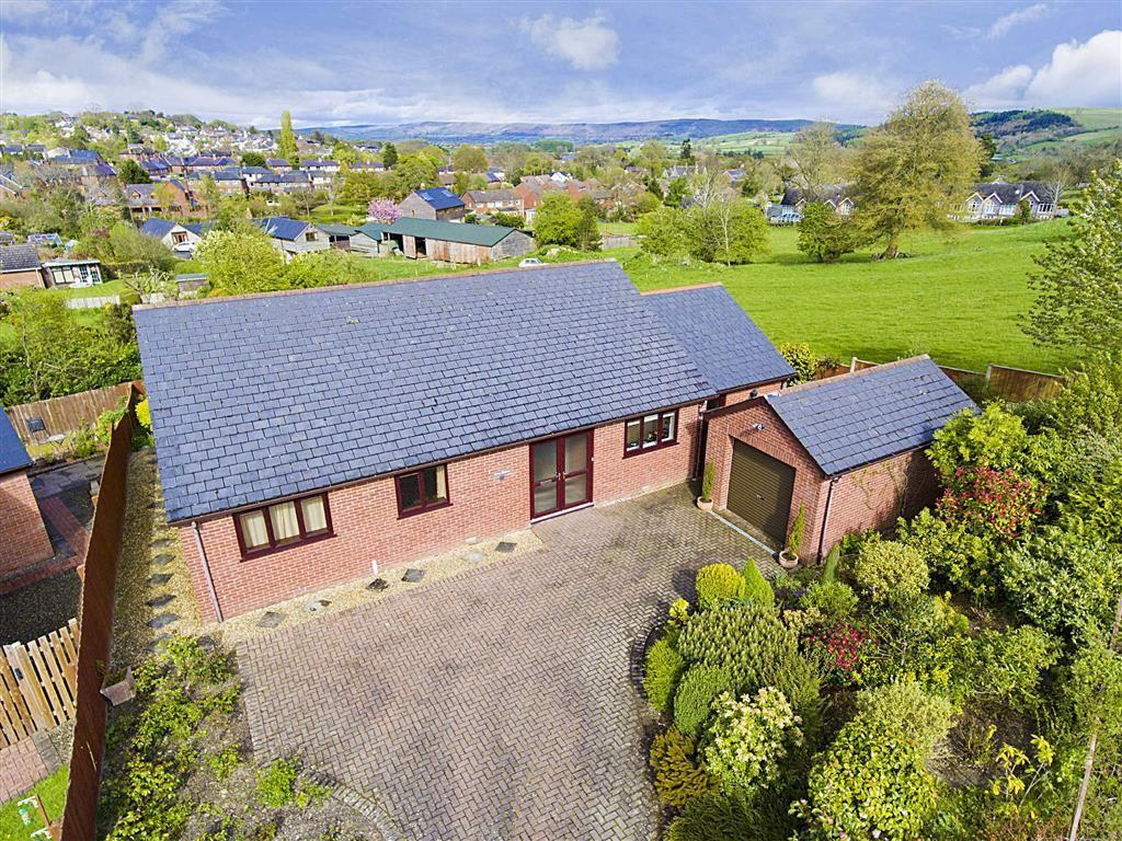 3 Bedrooms Bungalow for sale in The Novers, Bishops Castle, Shropshire, SY9