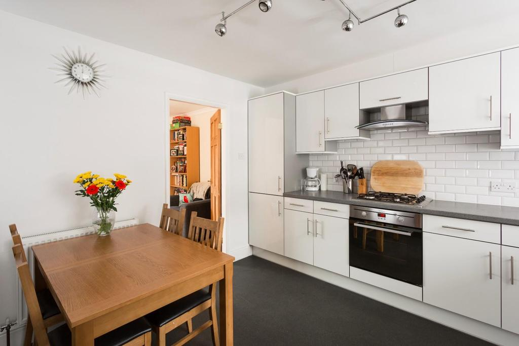 2 Bedrooms Terraced House for sale in Cherry Street, York
