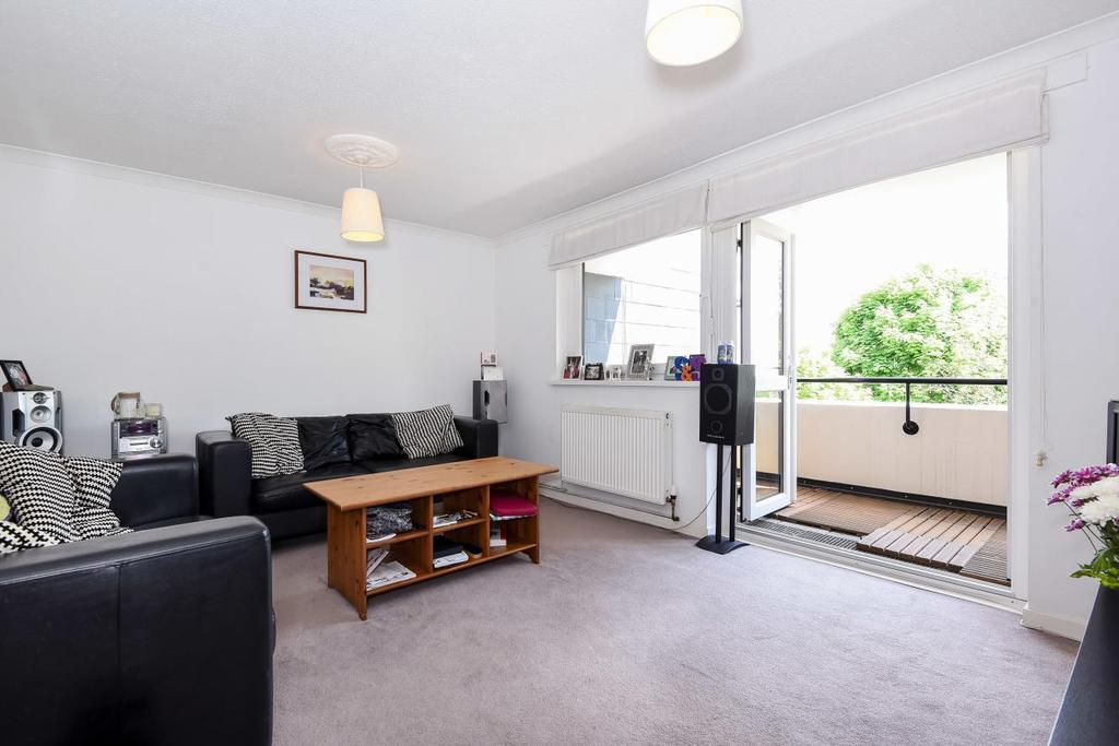 3 Bedrooms Flat for sale in Ericcson Close, Wandsworth, SW18
