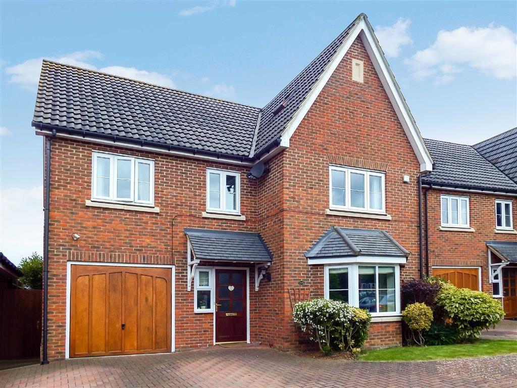 6 Bedrooms Detached House for sale in Great Ashby Way, Stevenage, Hertfordshire, SG1