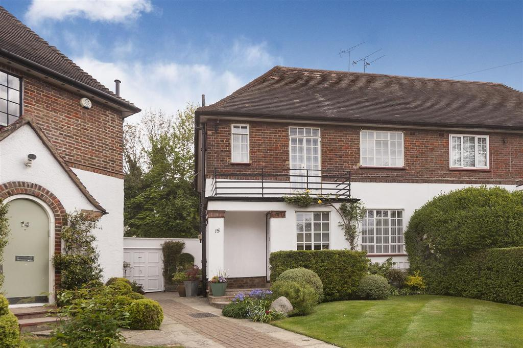 3 Bedrooms Cottage House for sale in Holyoake Walk, N2
