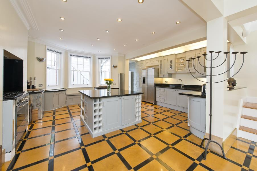 7 Bedrooms House for sale in Addison Gardens, Brook Green W14