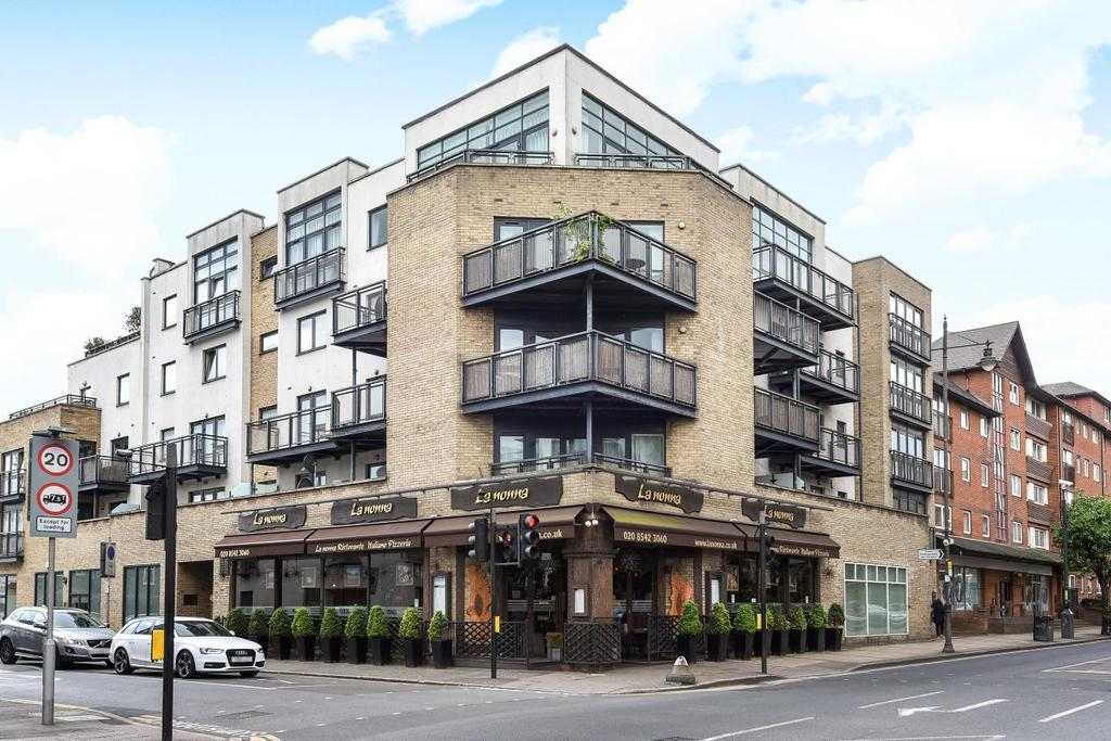 2 Bedrooms Flat for sale in Montague Road, Wimbledon