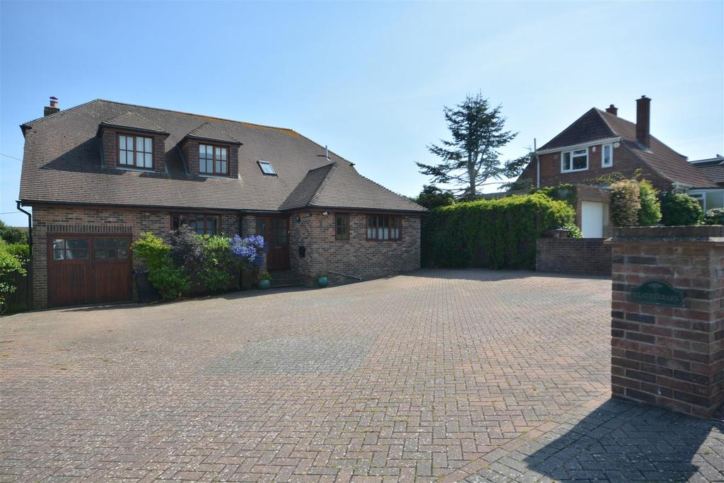 5 Bedrooms Detached House for sale in Fyrsway, Fairlight, Hastings
