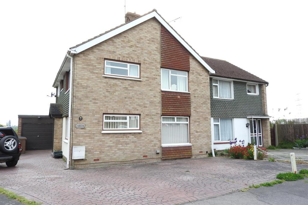 4 Bedrooms Semi Detached House for sale in Lodge Crescent, Boreham, Chelmsford