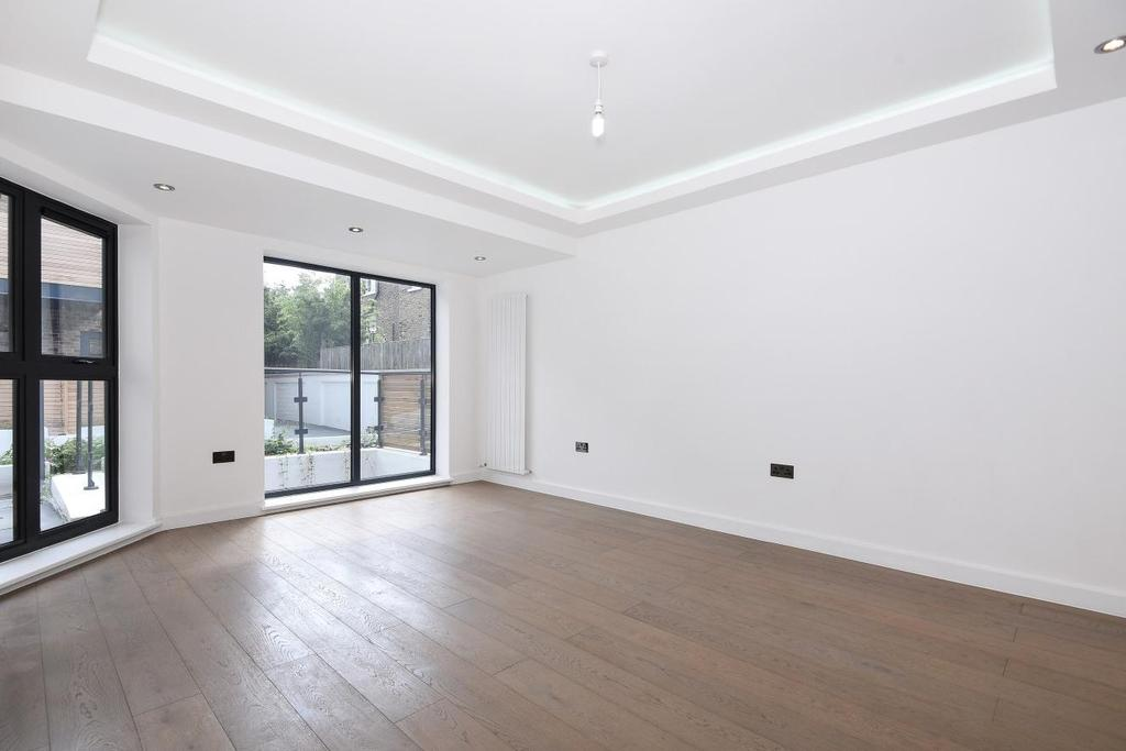 3 Bedrooms Semi Detached House for sale in Bemish Road, Putney