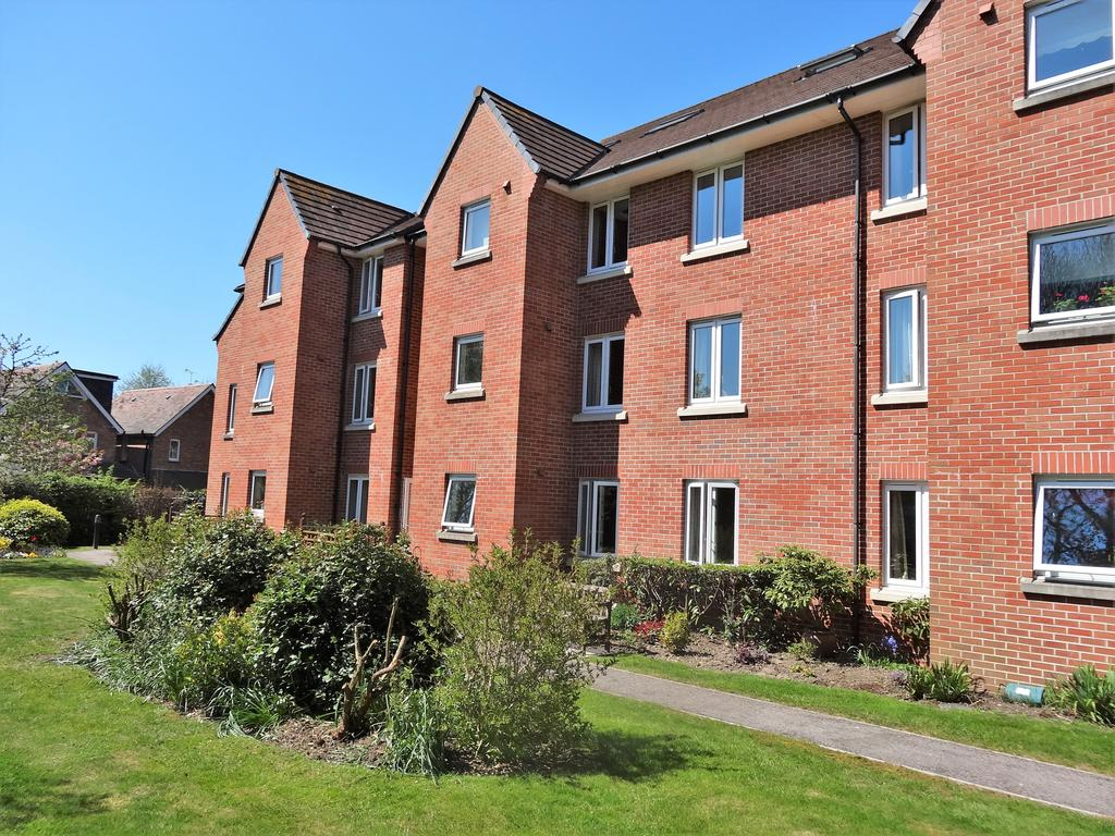 1 Bedroom Retirement Property for sale in Byron Court, Stockbridge Road, Chichester PO19