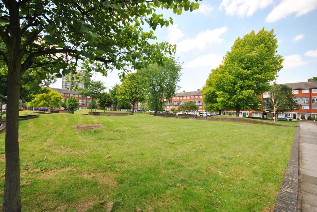 3 Bedrooms Flat for sale in Lorrimore Road Walworth SE17