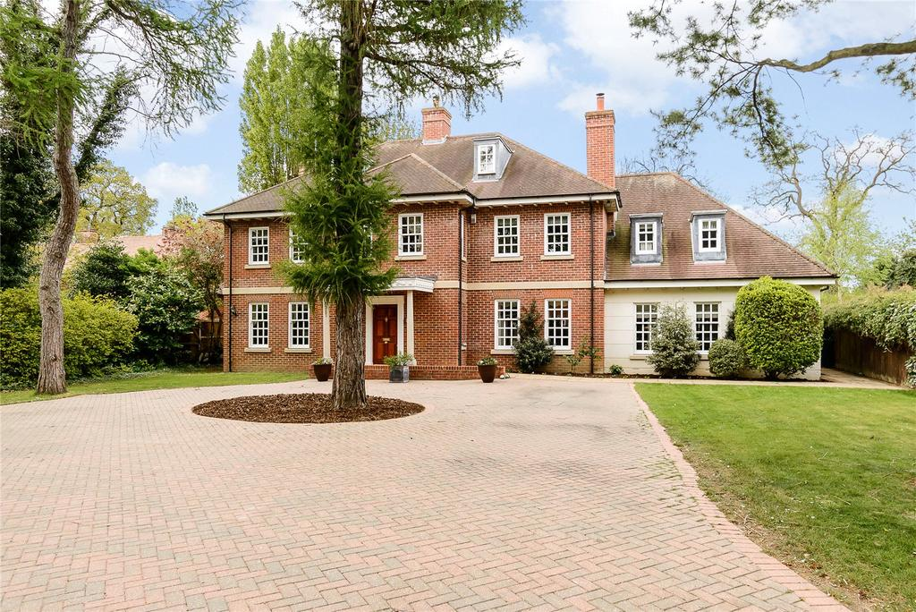6 Bedrooms Detached House for sale in Links Avenue, Gidea Park, Essex, RM2