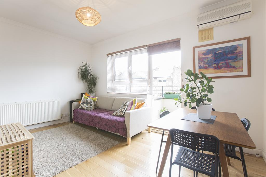 1 Bedroom Flat for sale in Lenthall Road, Hackney, London E8