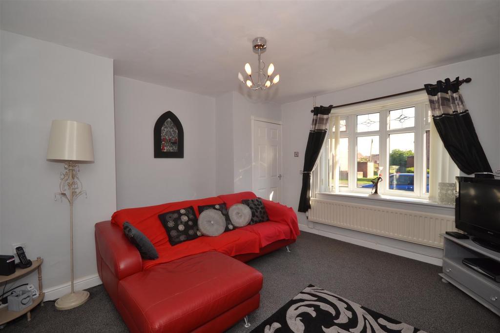 2 Bedrooms Semi Detached House for sale in Clovelly Road, Hylton castle, Sunderland