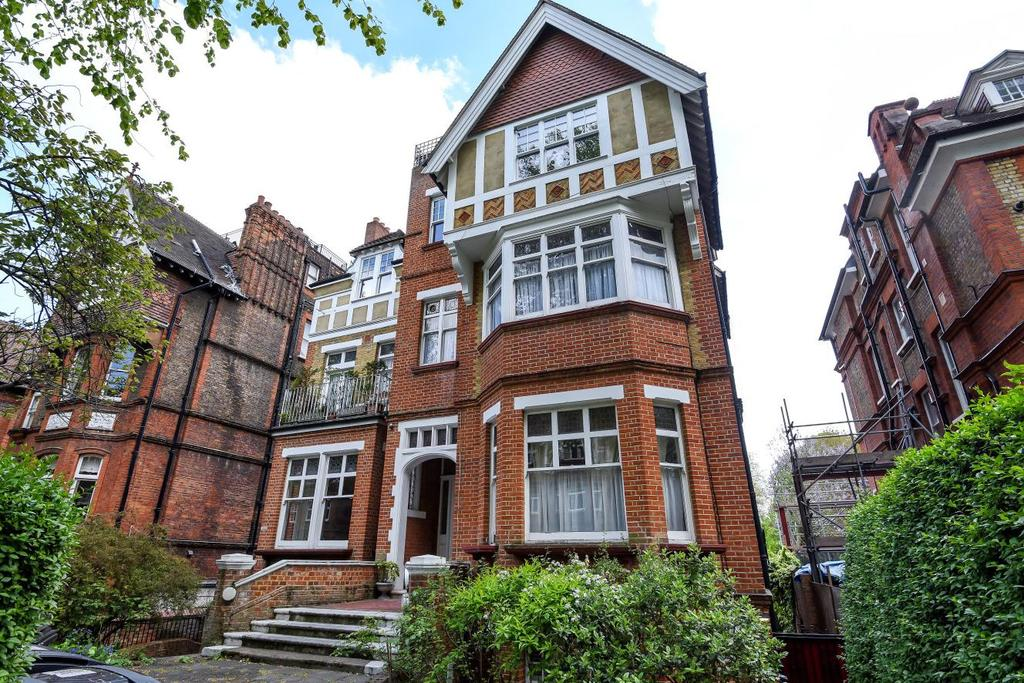 2 Bedrooms Flat for sale in Strathray Gardens, Belsize Park, NW3