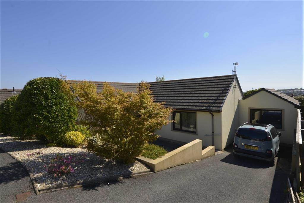 3 Bedrooms Bungalow for sale in 65, Oakfield Drive, Kilgetty, Dyfed, SA68