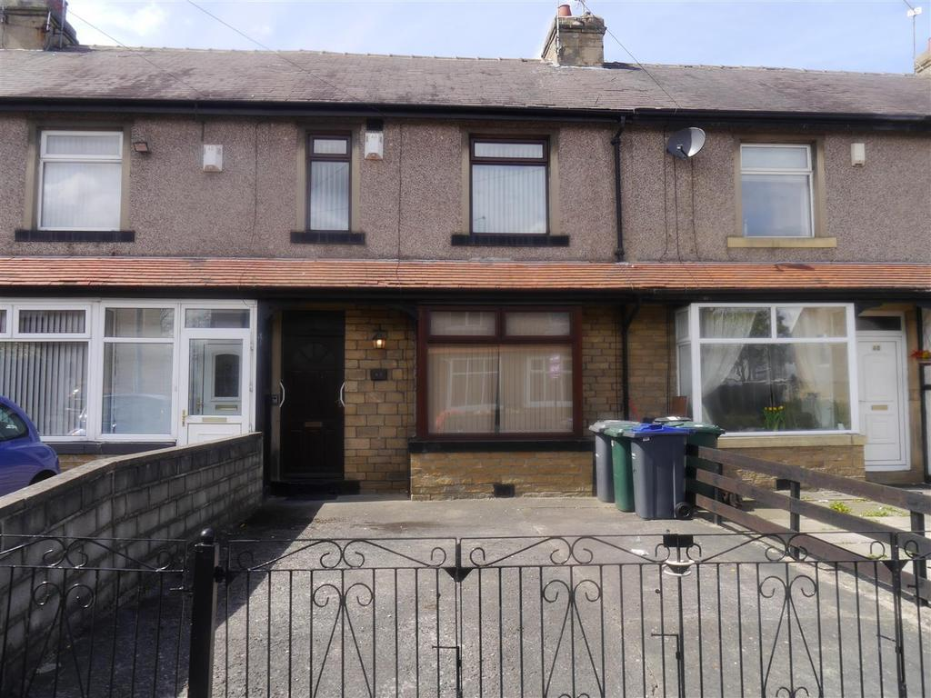 3 Bedrooms Town House for sale in Frimley Drive, Little Horton, Bradford, BD5 9EP