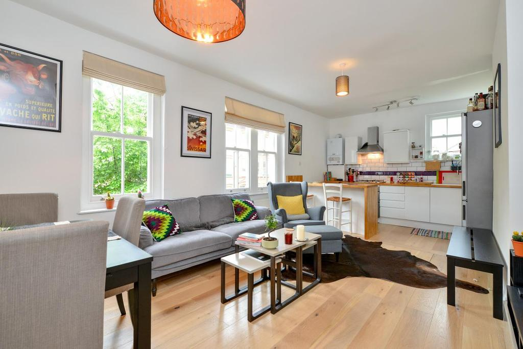2 Bedrooms Flat for sale in Bedford Road, Clapham, SW4
