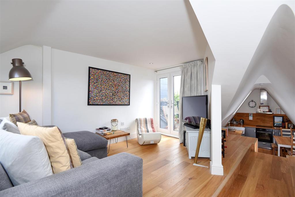 3 Bedrooms Maisonette Flat for sale in The Broadway, Barnes, SW13