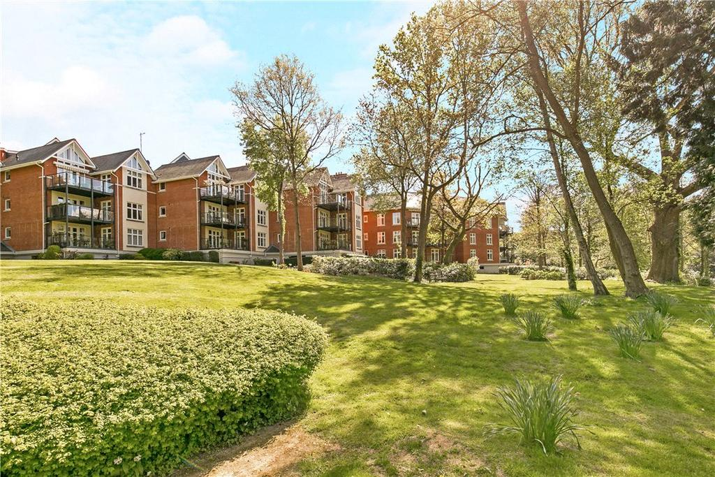 3 Bedrooms Flat for sale in Willow Lodge, Warberry Park Gardens, Tunbridge Wells, Kent, TN4
